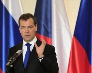 Medvedev nu vrea legalizarea portului de arma, in Rusia