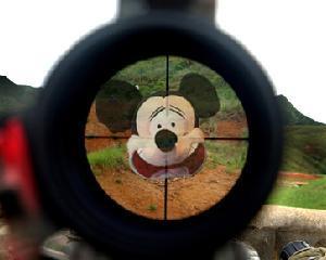 Trupele SEAL se lupta cu... Mickey Mouse?