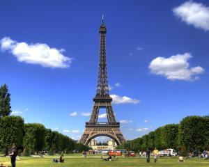 Asiaticii au clasat Parisul drept cel mai vizitat oras european in 2012