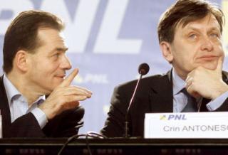 Cum au ajuns PSD si PNL sa-l asculte pe Basescu...