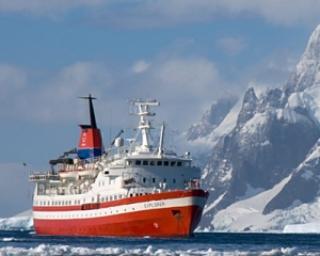 Angajatorii din Antarctica si Insulele Caraibe cauta medici, bucatari, mecanici si dansatoare