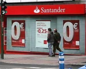 Santander a raportat un profit in scadere cu 98%, in ultimul trimestru din 2011