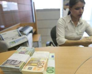 BCR majoreaza cu 0,5% dobanda pentru depozitele in lei, euro si dolari