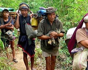 Birmanezii vor putea utiliza cardurile de debit si credit