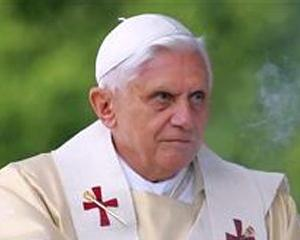 Papa acuza adancirea inegalitatilor sociale din cauza crizei financiare