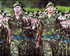 Armata britanica ar putea fi redusa cu 19.000 de soldati