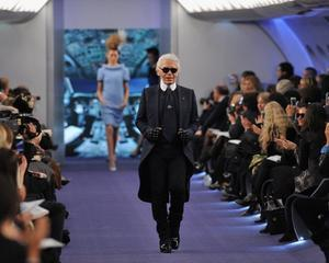Chanel: Prezentare de moda la bordul unui Jumbo Jet