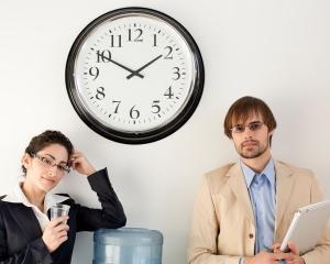 Studiu: Peste jumatate dintre sefi recunosc deschis ca pierd timpul