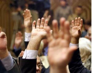 In sfarsit! Parlamentul a reusit sa adopte Legea bugetului pe 2012