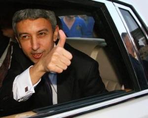 DD afirma ca semneaza contractul de privatizare a Oltchim, daca banii merg la salarii si reluarea activitatii