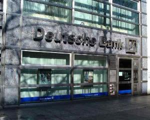 Deutsche Bank disponibilizeaza masiv