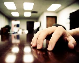 Iata cum trebuie sa iti folosesti mainile in timpul interviului de angajare