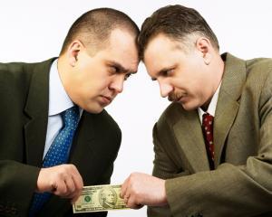 Cine este patronul caruia trebuie sa-i ceri o marire de salariu