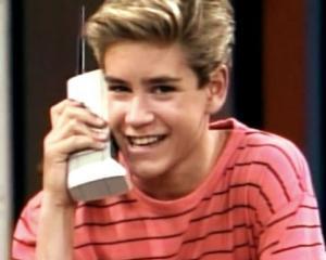 Studiu medical: Telefoanele mobile NU sunt responsabile pentru aparitia cancerului