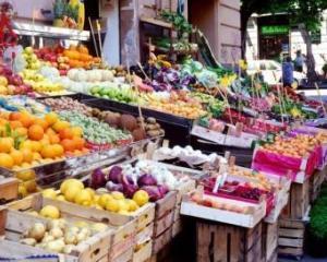 Ianuarie, luna scumpirilor pentru energia electrica, fructele proaspete, cartofi, tutun