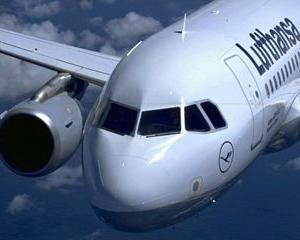 IATA: Profiturile companiilor aeriene vor scadea la jumatate in acest an din cauza pretului petrolului