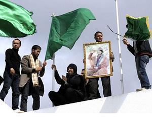LIBIA: Regimul Gadhafi isi ingroapa mortii