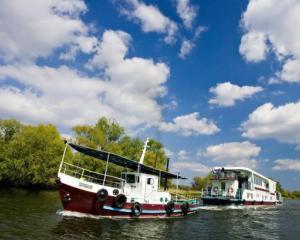 Guvernul vrea sa amenajeze cursul Dunarii cu microdelte pentru pescuit si turism