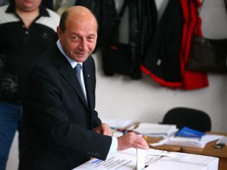 Basescu vrea uninominale