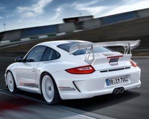 Electronic Arts doreste sa lanseze un film inspirat de jocul video Need for Speed