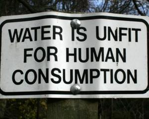 Philips a inventat un dispozitiv care dezinfecteaza instantaneu apa