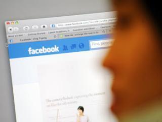 Facebook a lansat serviciul de comentarii in timp real