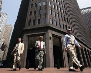 Goldman Sachs si Morgan Stanley doresc sa cumpere doua firme de brokeraj din Indonezia
