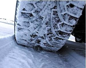 De cand sunt obligatorii, anvelopele de iarna s-au scumpit cu 40%