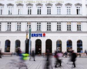 Erste Group a incheiat primele contracte pentru achizitia actiunilor BCR