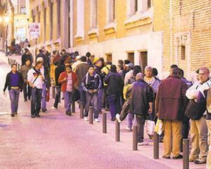 Romanii trebuie sa astepte cinci luni pentru un job in Spania