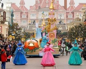 Nou record de vizitatori la Disneyland Paris