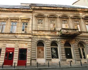 Esec: Regia Patrimoniului Protocolului de Stat a vandut doar 16 imobile din 100 disponibile