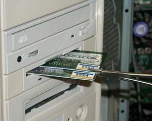Visa Europe: Peste 510 milioane de euro vor fi cheltuite online pe 28 noiembrie 2011