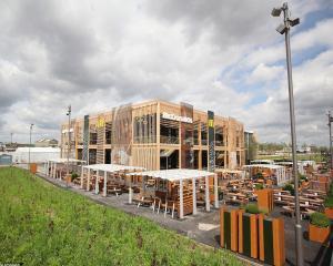 Cel mai mare restaurant McDonald's, deschis pentru Jocurile Olimpice