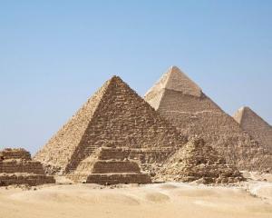 Piramidele egiptene sunt in pericol