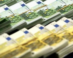 Guvernul prelungeste suprematia leului: vom avea euro in 2016 - 2017