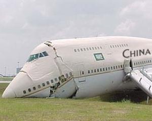 TOP 10: Cele mai periculoase companii aeriene din lume