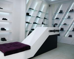 Investitie de 250.000 euro in cel mai nou magazin de pantofi de lux din Bucuresti: Charme Boutique