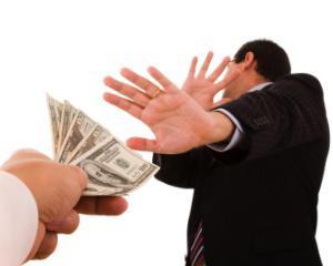 Gheorghe Ialomitianu: Romania nu trebuie sa dea bani pentru fondul pus la dispozitia FMI