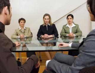 Practica ne omoara. Angajatorii reclama lipsa competentelor practice in ciclul univeristar
