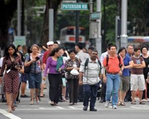Singapore ofera prime tuturor cetatenilor sai. Valoarea acestora atinge un miliard de dolari