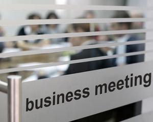 Reactiile analistilor si mediului de afaceri la iesirea din recesiune