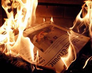 Invatatura de minte vine din SUA: Industria ziarelor tiparite se prabuseste cel mai rapid