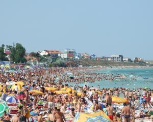 Cati bani au cheltuit romanii pe litoral vara aceasta