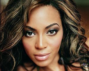 Beyonce si-a donat milionul de dolari primit de la Gadhafi