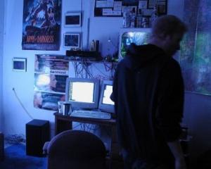 Cine si cum a incercat sa-i insele pe romanii care au facut plati online in 2011