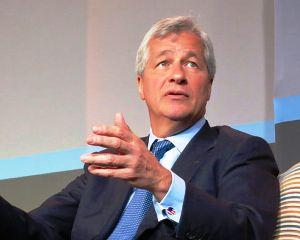 Bancher american: Politicienii nostri ar trebui sa aiba tenacitatea liderilor europeni