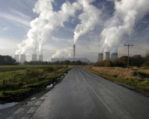 Pretul emisiilor de carbon s-ar putea dubla