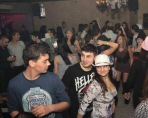 Aproape 10% dintre tinerii din Romania consuma droguri usoare