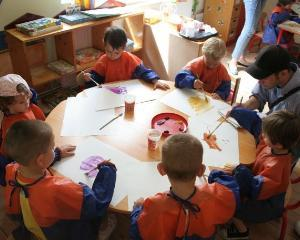 Elevii bucuresteni lupta pentru premiile concursului - Igiena acasa si la scoala